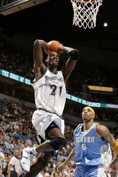 Garnett_20two-handed_20slam_medium
