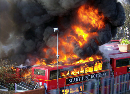 _41243468_bus_fire1_medium