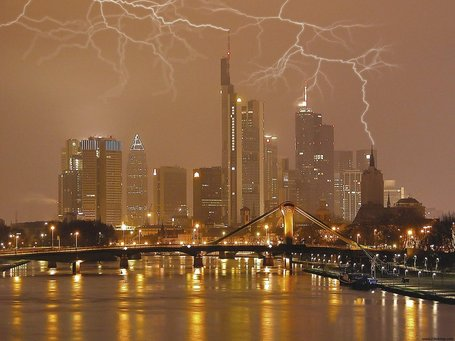 Lightning_storm_frankfurt_germany_7049_1280_960_medium