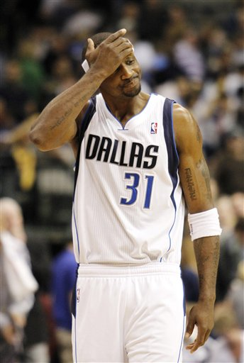 97092_spurs_mavericks_basketball_medium