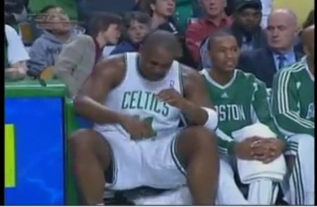 Youtube-glen-davis-cries-after-garnett-yells-at-him_medium