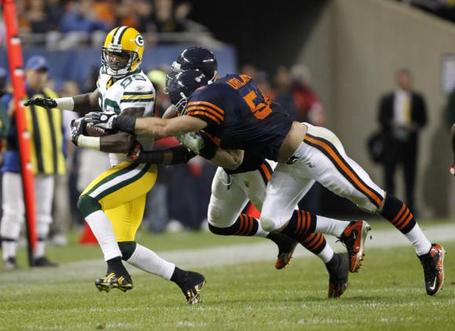 Bears-urlacher-forces-fumble-against-packers-in-chicago_medium