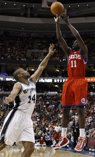 101212_spurs_76ers_basketball_medium