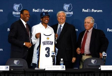1257827831-66324_memphis_grizzlies_press_conference_announcing_allen_iverson_medium
