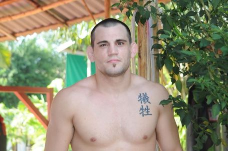 Jon-fitch-trains-at-tiger-muay-thai-thailand_medium