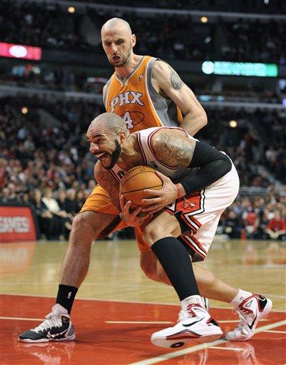 106349_suns_bulls_basketball_medium