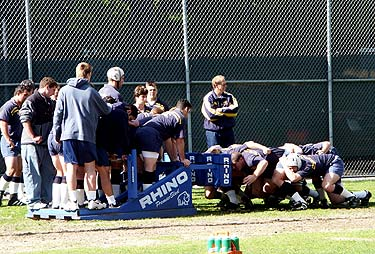 Rugby_scrum_medium