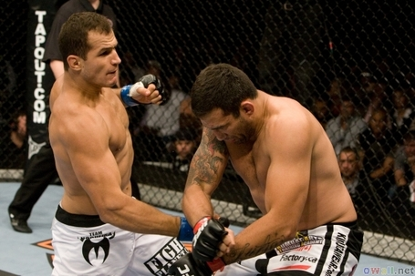 Thumb3_ufc_90_junior_dos_santos_vs_werdum_medium