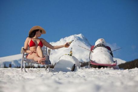 Misc-bikini-beach-lady-sitting-enar-snowman_medium