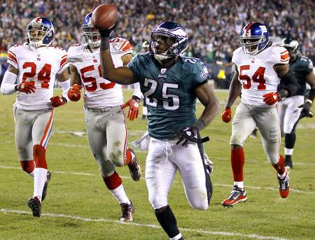 450x343-alg_eagles_mccoy_medium