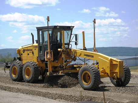 Champion-720a-road-grader_medium