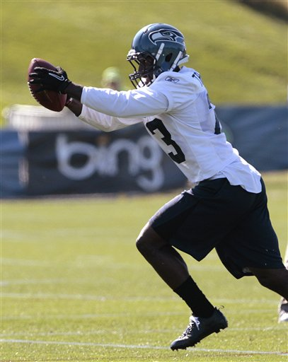 84878_seahawks_camp_football_medium