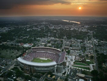Bryant_denny_stadium_alabama_11lg_medium