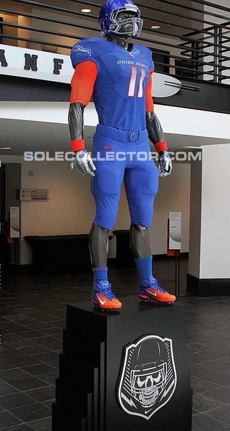 Nike-pro-combat-2011-uniform-boise-state-broncos-05_medium