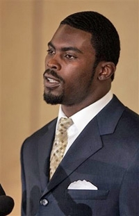 Atlanta-falcons-football-player-michael-vick_medium