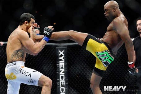 Method_get_s_anderson-silva-vitor-belfort-02-06-11-19-8-36-510_medium