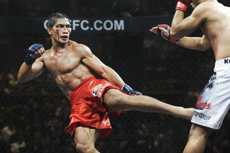 Eduard-folayang-l-philippines-kicks-20110903-130109-580_medium