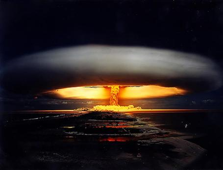 Nuclear_20bomb_20mushroom_20cloud_medium