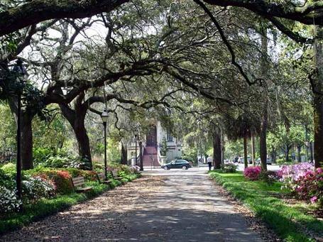 Savannah-georgia-romantic-getaway_medium