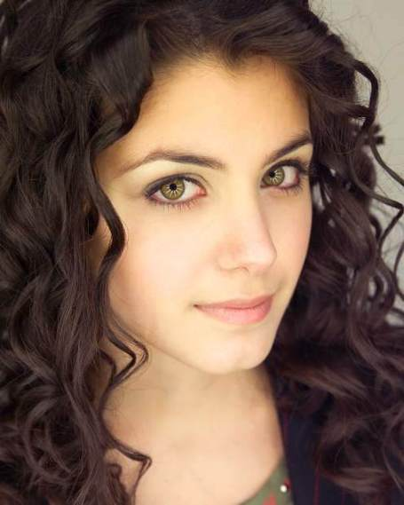 Pakistani-women-curly-hairstyle_medium