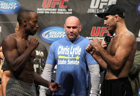 43_ufc140_weighins_medium