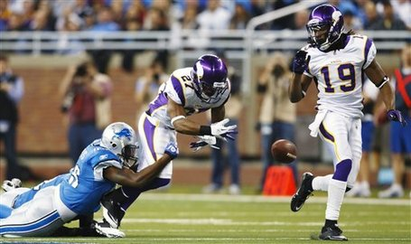 Vikings_lions_football_97672_game_medium