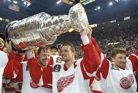Steve-yzerman-1997-stanley-cup-champions_photo_medium_medium
