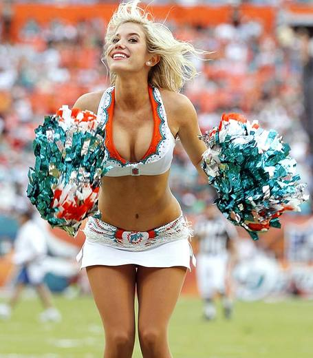 Dolphins-cheerleader-107373770_medium
