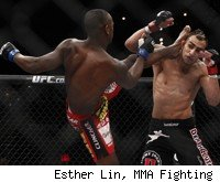 Yves Edwards throws a head kick at TUF 14 Finale.