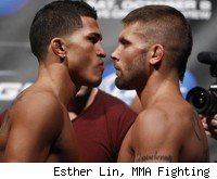 Anthony Pettis vs. Jeremy Stephens at UFC 136.