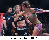 MIesha Tate throws a punch at Marloes Coenen.