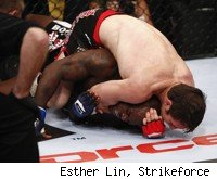 Tim Kennedy submits Melvin Manhoef with a choke at Strikeforce: Feijao vs. Henderson.