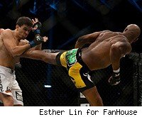 Watch Anderson Silva battle VItor Belfort live online in the UFC 126 main event on Saturday night.