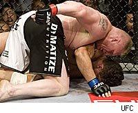 Brock Lesnar pummels Frank Mir