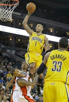 Dahntay_jones_dunks_on_monta_ellis_3_medium