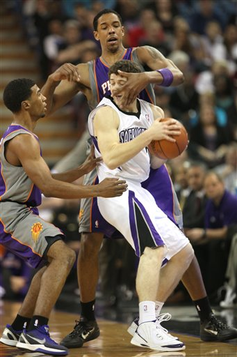 119411_suns_kings_basketball_medium