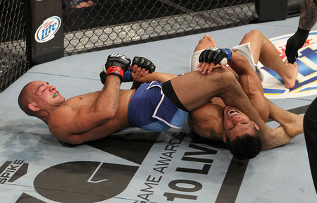 09_brandao_vs_bermudez_011_large_medium