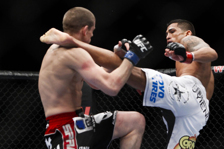 030_anthony_pettis_vs_joe_lauzon_gallery_post_medium