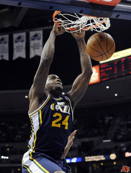 Paul-millsap-2010-10-28-0-40-11_medium