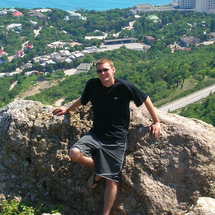 Me_on_the_ledge_in_crimea__cropped_