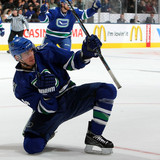 Vancouver_canucks_v_toronto_maple_leafs_2yuqudnpsdkl
