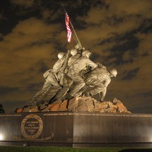 Usmc_war_memorial_night