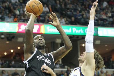 Nets pull away, defeat Grizzlies 97-88