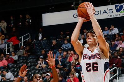 Kyle Korver credits teammates on three-point streak