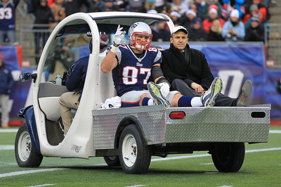 Rob Gronkowski injury diagnosed as torn ACL, MCL