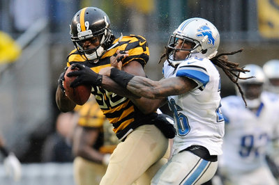 Louis Delmas visits Steelers, according to report