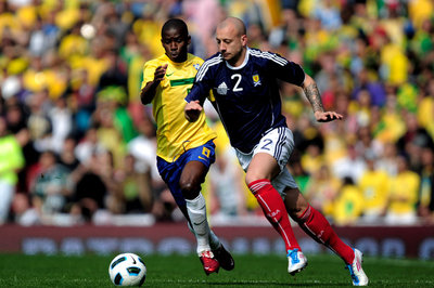 Transfer Gossip: Bolton to sign Alan Hutton?