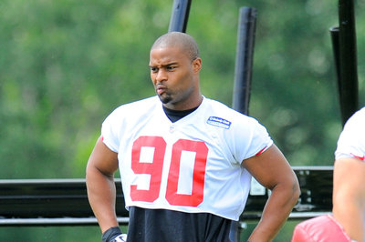 Falcons Asking Osi Umenyiora To Take A Pay Cut