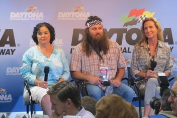 the stars of the duck dynasty reality tv show at daytona international